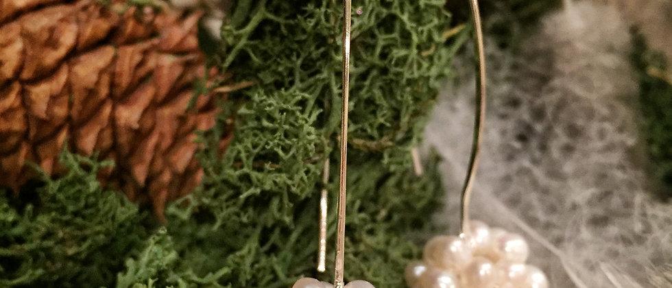 Pearl cluster long hook