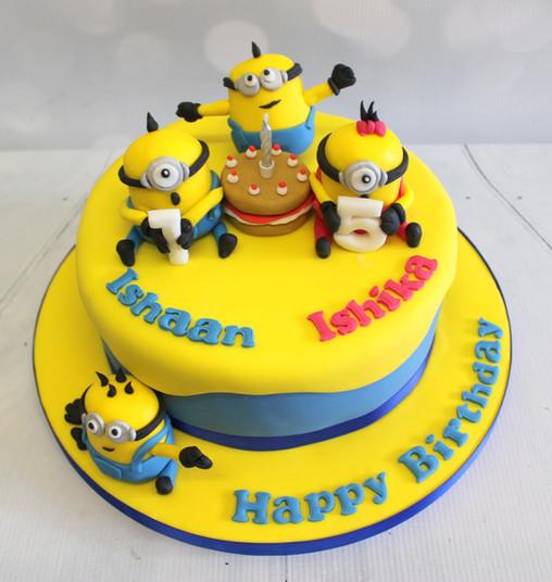 Small Minion Model Cake