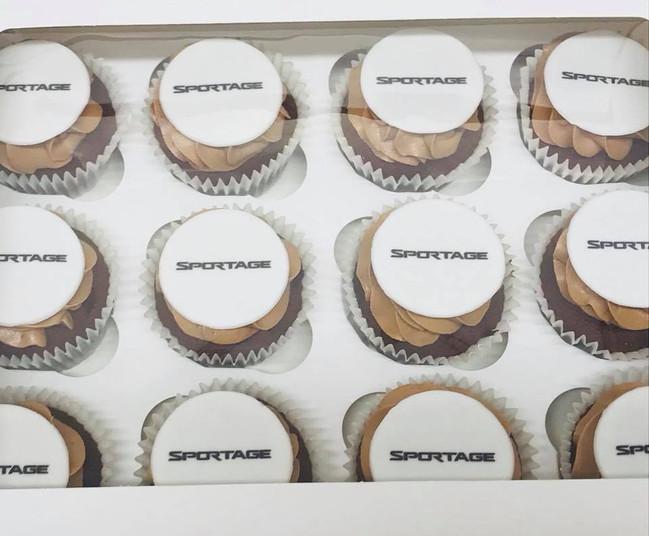 Corporte Logo Cupcakes 4