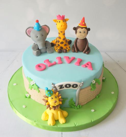 Zoo Cake with animal figures