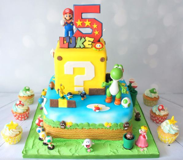 Super Mario Cake with matching Cupcakes