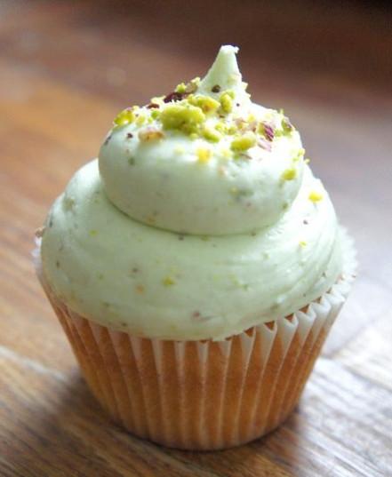 White Chocolate and Pistachio Cupcake.jp