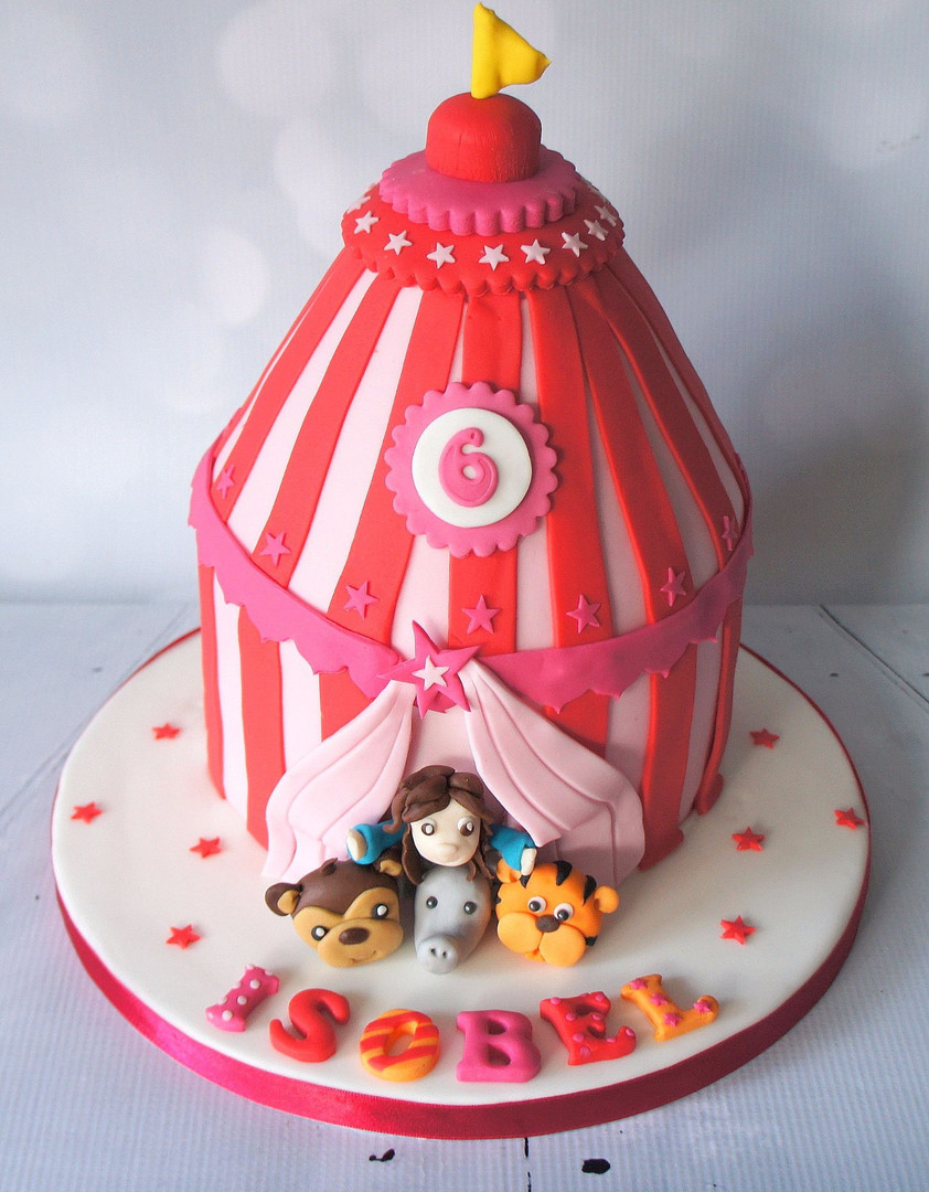 3D Circus Cake with animal Figures