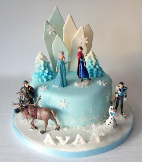 3D Frozen Cake with figures and ice shards