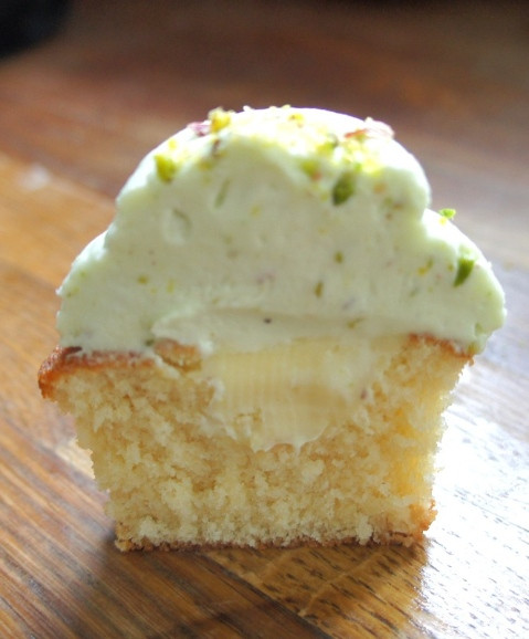 White Chocolate and Pistachio cupcake in