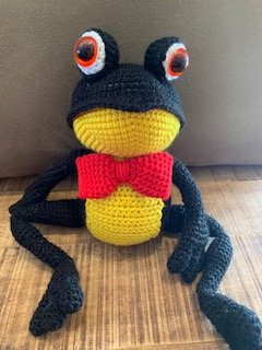 Hand-knitted Frog