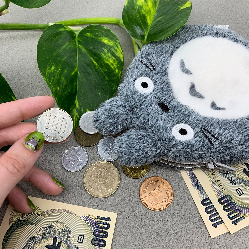 Totoro nail art and Japanese money