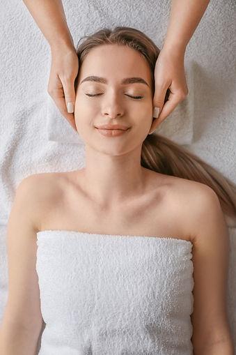 woman-massage_I6JSEMNOBS_edited.jpg