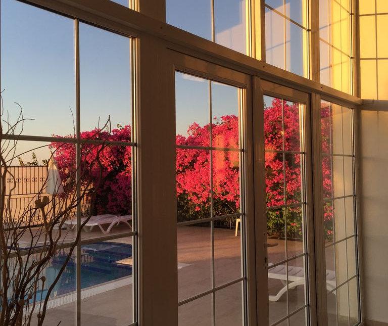 Pool view Kyrenia