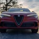 2019 Alfa Romeo Stelvio QV front end