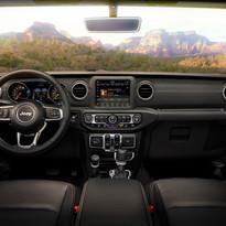 2019 Jeep Wrangler Sahara dash