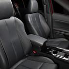 Interior Mitsubishi Eclipse Cross.jpg