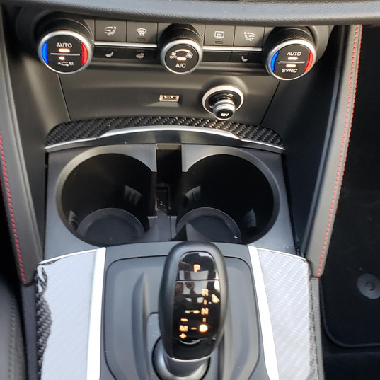 Center console of 2019 Alfa Romeo Stelvio QV