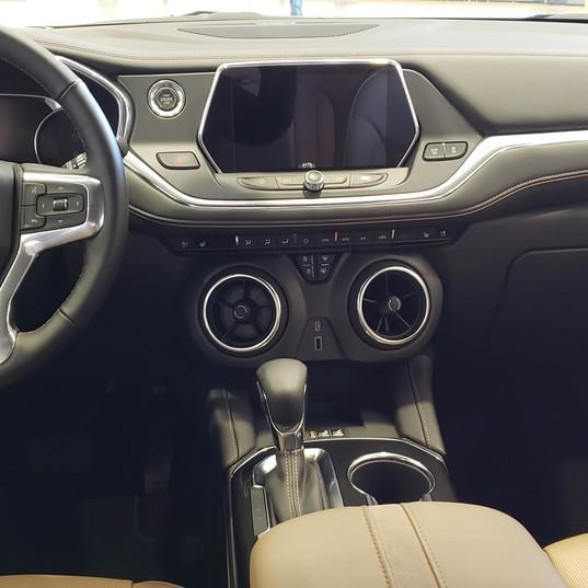 Dashboard of 2019 Chevrolet Blazer