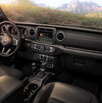 2019 Jeep Wrangler Sahara interior