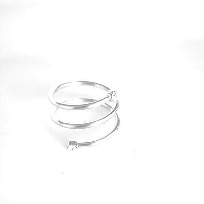 טבעת מעגלים משובצת