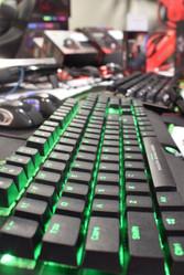 Marvo teclado verde.jpg