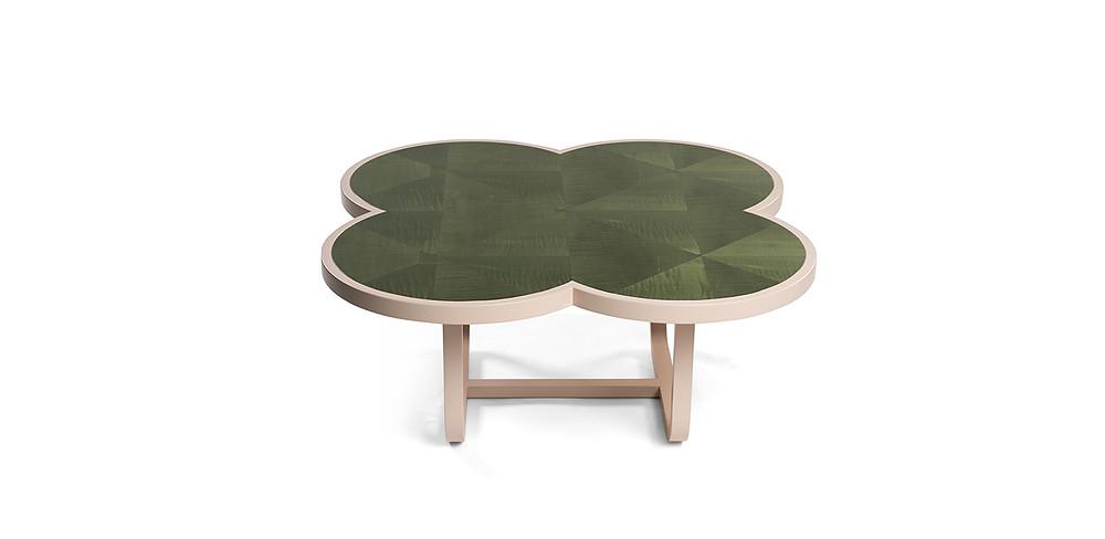 коллекция столиков Caryllon
