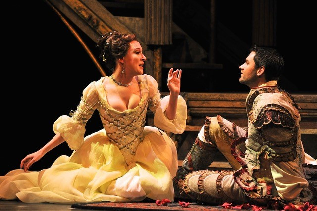 Ava Pine (Cleopatra) and Randall Scotting (Julius Caesar). Photo by Ellen Appel.