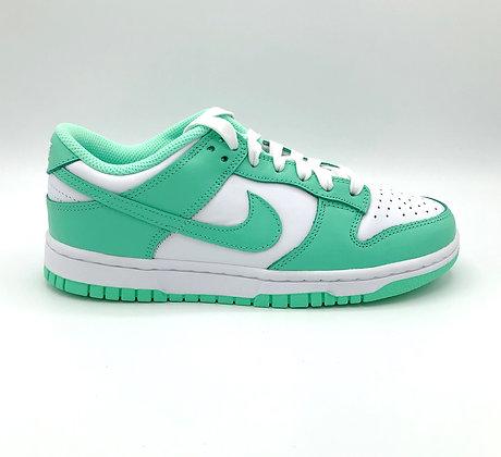 "Nike Dunk Low ""Green Glow"" (W)"