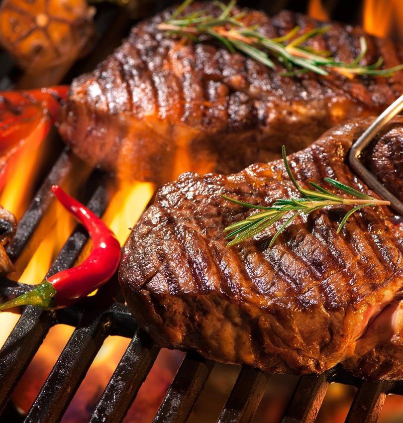 steik-miaso-ovoshchi-ogon-gril.jpg