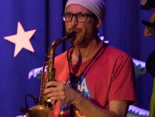 Die Zatsch-Combo: Heute am Saxophon...