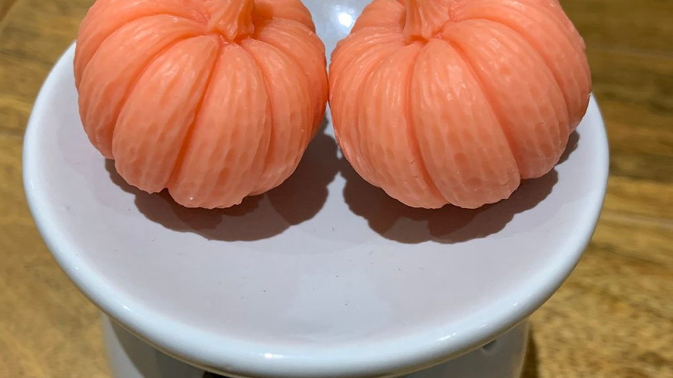 Two 3D Pumpkin shaped scented wax melts
