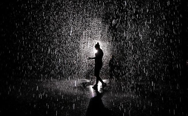 Rain scene (b&w).jpg