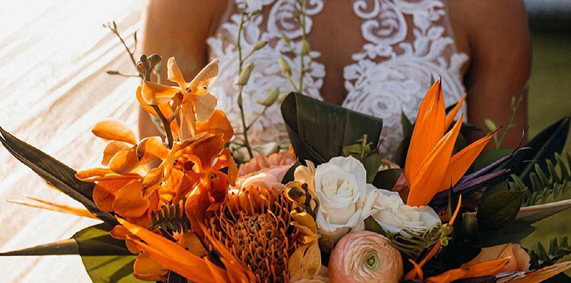 Planning with Live Wedding Flowers