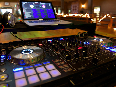 Rock Your Event with Xclusive Deejays