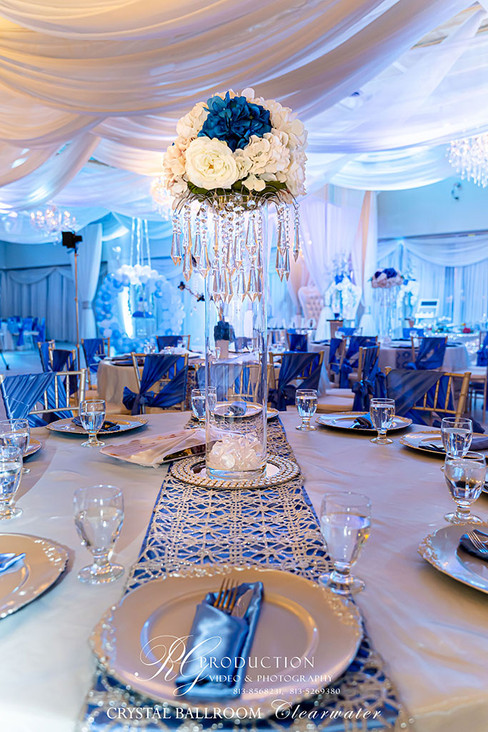 Setting the tables in your wedding venue