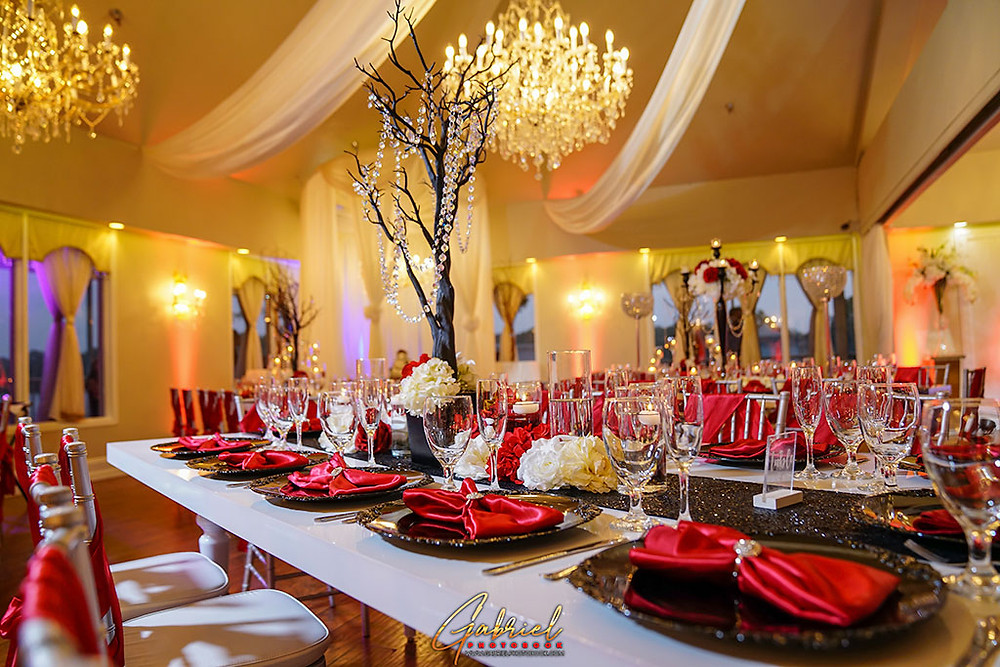 Find Your Wedding Caterer at Crystal Ballroom on the Lake