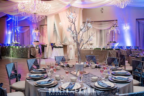 Setting the table in your wedding venue
