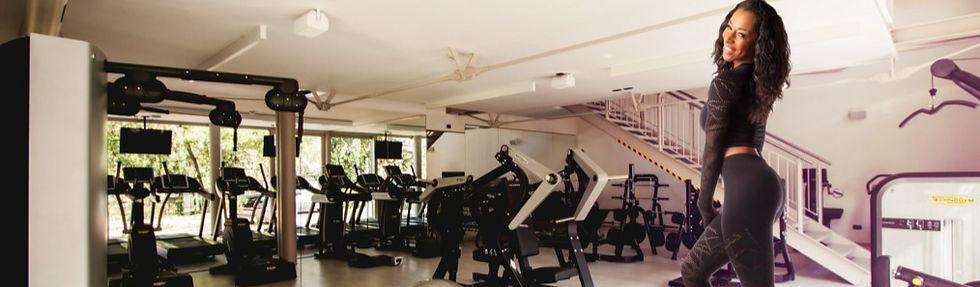 jana-in-gym-extended_edited_edited.jpg