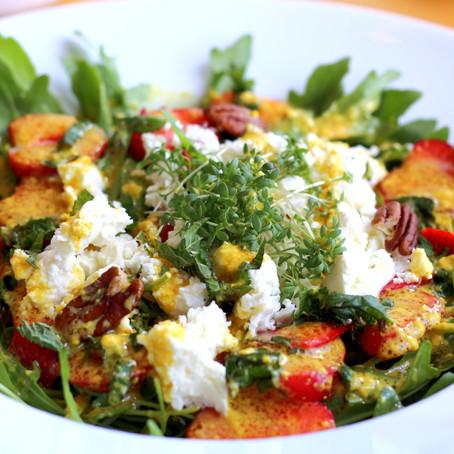 Rauke - Salat mit Erdbeeren
