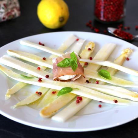 Spargel - Salat mit Ziegenkäsepäckchen