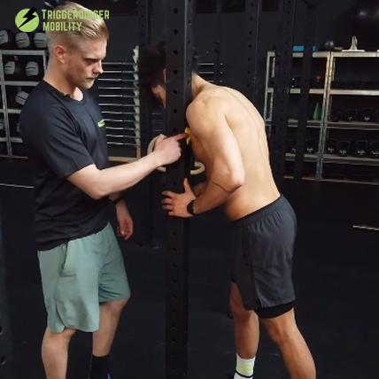 Schmerzen in der Schulter? Brustmuskel punktuell behandeln