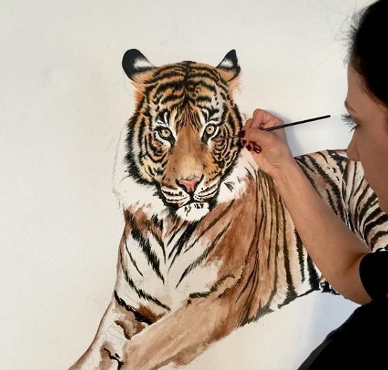 This is a painting of a tiger that looks realistic by Rosita