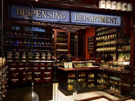 イギリスの古い薬局