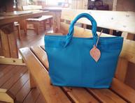 ブル〜 スカイ ブル〜♪ バック。__#leatherbag  #tote  #