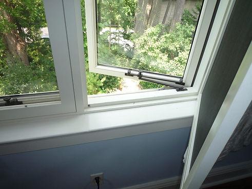 wooden window1.jpg