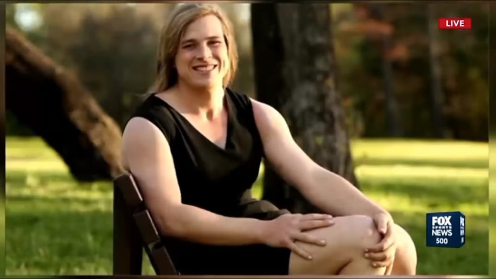 Transgender AFL player Hannah Mouncey has been cleared to play Aussie Rules footy at state level this season.
