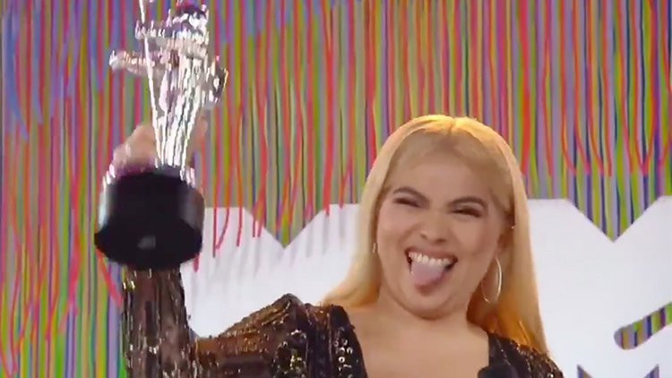 Openly lesbian singer Hayley Kiyoko wins MTV VMA Push Artist Of The Year.