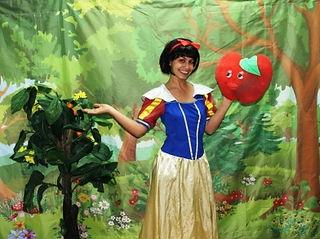 שלגייה ועץ תפוחי האושר
