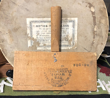 NEW!  Antique Olde Wool Carder #40