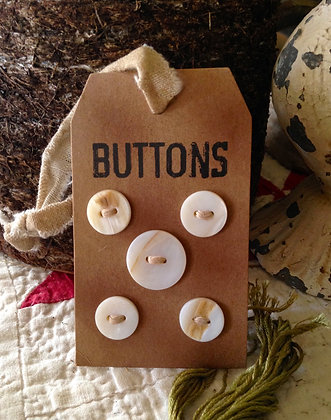 Olde Vintage Pearl Buttons