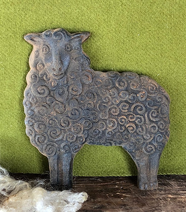 "Olde Pantry ""Wooly Sheep"" Blackened Beeswax"