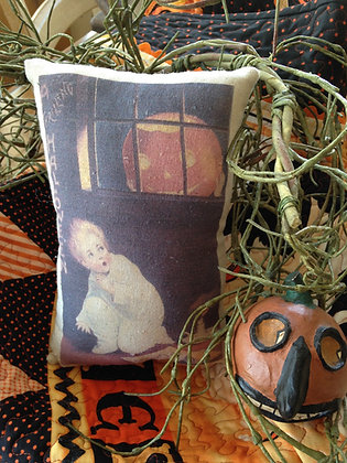 """Olde Vintage """"Thrilling Halloween"""" Pantry Pillow"""
