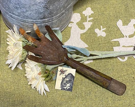 """NEW!  """"Vintage Garden Hand Rake"""" #7"""