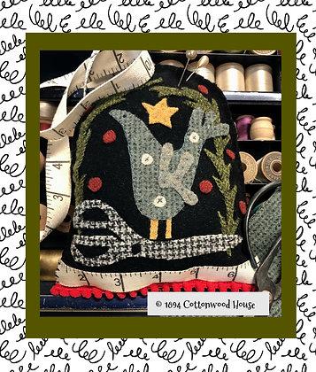 """NEW!  #905 """"Sassafras Sewing Circle"""" Yuletide KIT"""